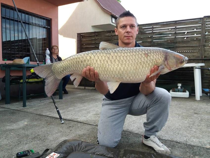 129kg-amúr